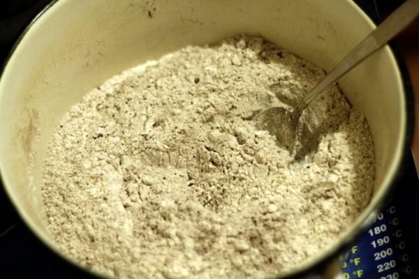 мука сода какао специи